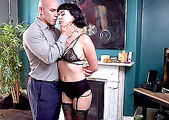 Olive Glass and Alex Harper lick pussies and share a cock in bondage