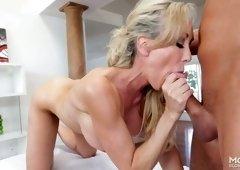 Torrid busty milf Brandi Love guzzles thick penis and eats fresh cum