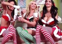 Jessica Jaymes, Nikki Benz, Amy Anderssen get really nautghy on Christmas