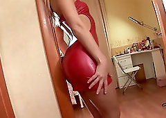 Michelle is a babe in a slutty dress who loves to masturbate