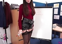 Seductive British milf prepared a presentation of her sweet hungry hole