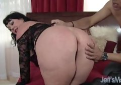 Heavyweight honey Alexis Couture pleases this guy's cock