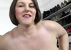 Busty natural mature UK mom Carol Brown with super body