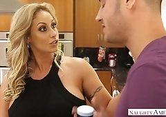 Big bottomed milf Eva Notty fucks one handsome young delivery guy