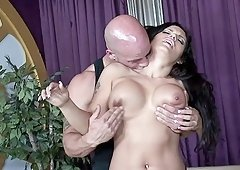 Curvaceous hotness Jessica Bangkok having her pussy exploited