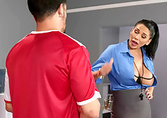 Curvy coach Missy Martinez motivates unruly men with her tight body
