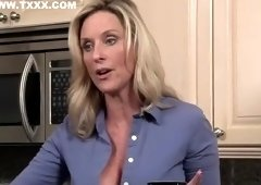 Honey blonde MILF Jodi West is sucking dick