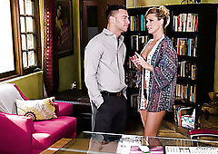 All oiled sexpot India Summer rides dick right in the massage parlor