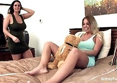 Britney Amber lesbian sex video