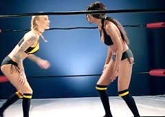 Two sexy things are in the ring, fucking and fighting each other